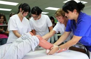 Cuidados Auxiliares de Enfermería