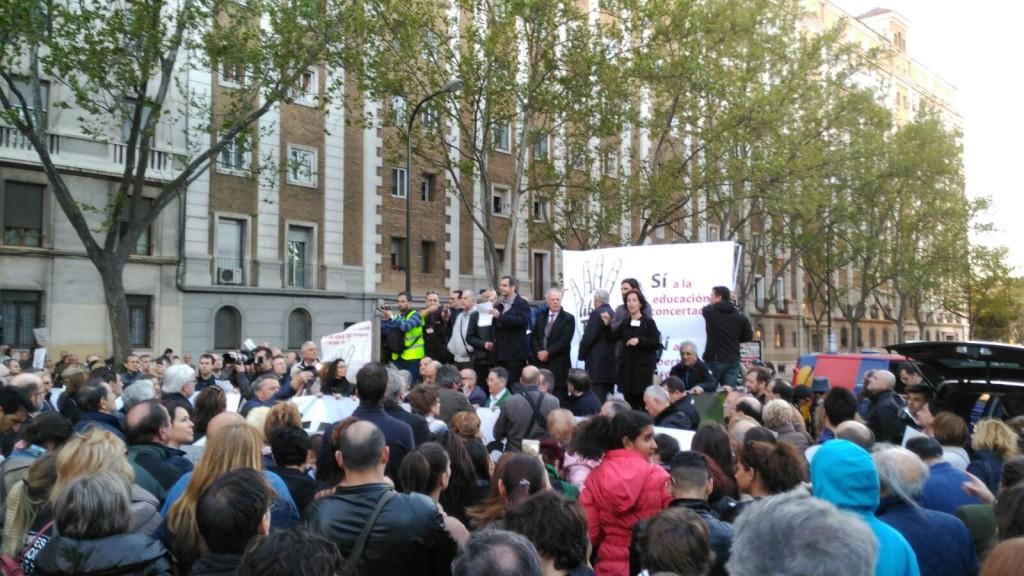 Manifestación enseñanza concertada Zaragoza (11)